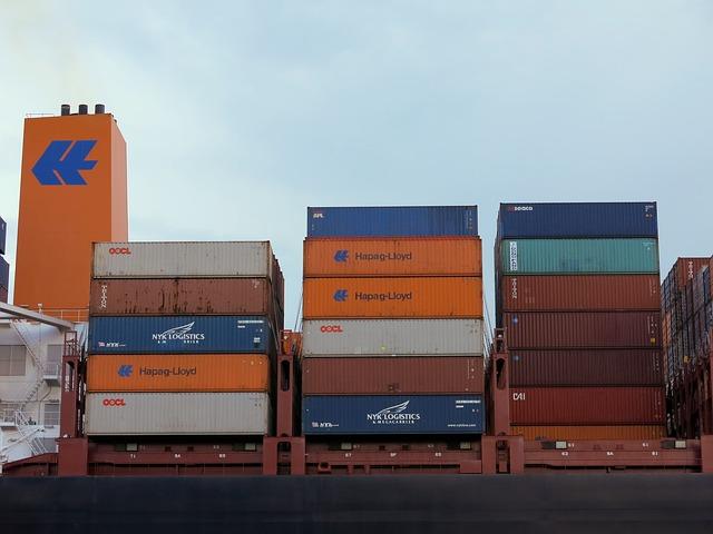 Aumento dell'attivo del commercio estero