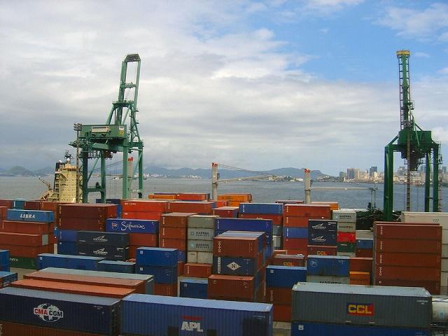 In crescita commercio con l'estero e prezzi all'import dei prodotti industriali