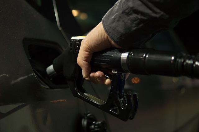 Fisco: dal prossimo anno stangata da 54 miliardi su Iva e accise benzina