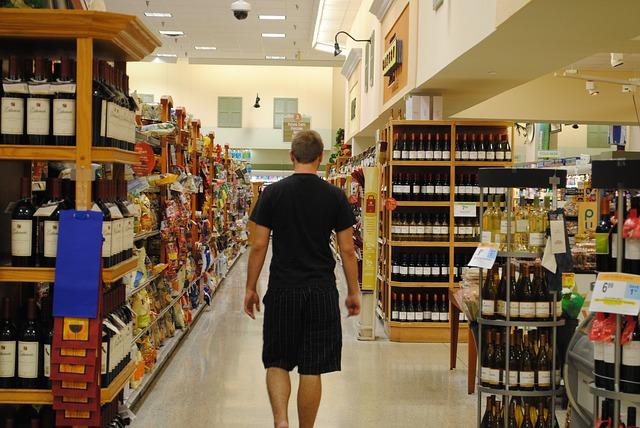 Indicatore Consumi Confcommercio: ripresa a fasi alterne