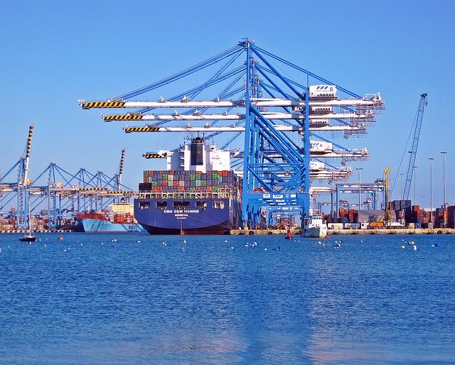 Commercio estero extra Ue in contrazione