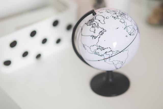 UniCredit Research: le aziende multinazionali tedesche e italiane raddoppieranno gli investimenti diretti esteri entro il 2030