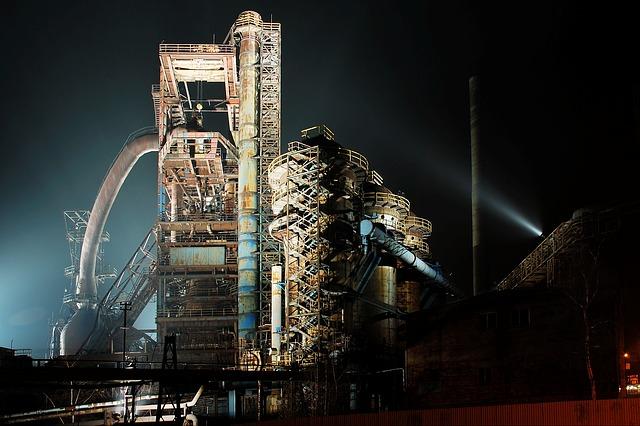 Prezzi alla produzione dei prodotti industriali in calo