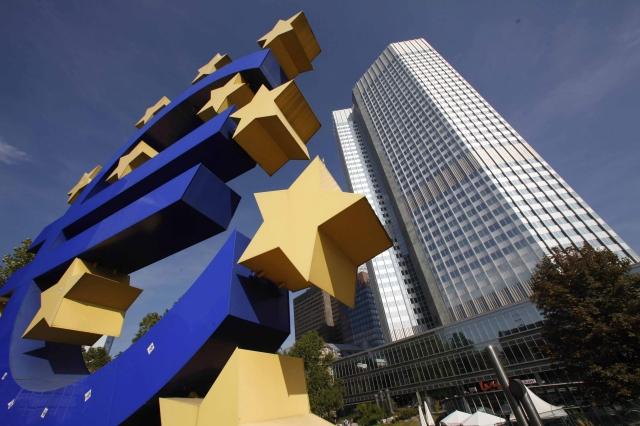 La crescita dell'eurozona rasenta il valore minimo in un anno e mezzo
