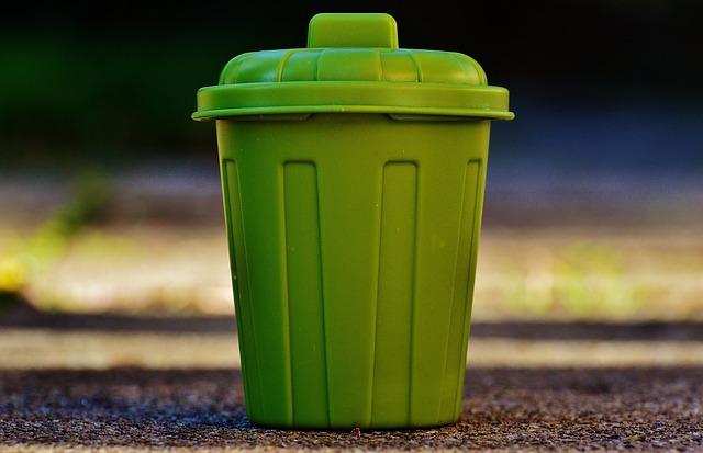 I rifiuti ci costano 8,8 miliardi di euro l'anno