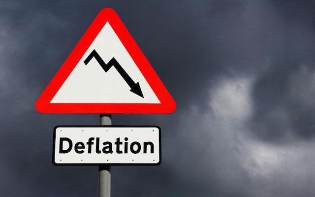 Prezzi ancora in deflazione