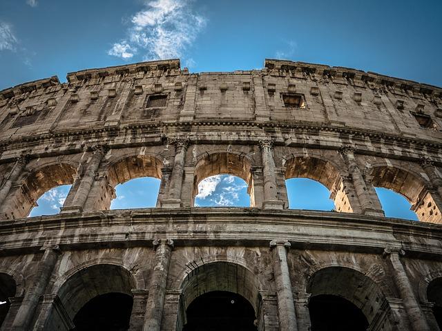 Crescono del 2,2% le presenze turistiche straniere. Cultura e artigianato come asset chiave: 5 mila musei e monumenti e il 15,8% dell'artigianato nei settori dei consumi turistici