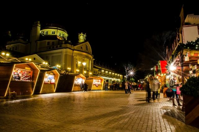 Natale: Coldiretti/Ixè, per 6 italiani su 10 shopping nei mercatini