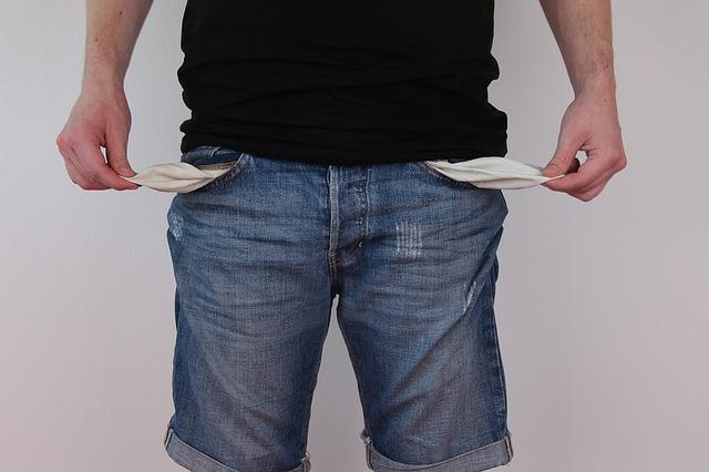 Istat: aumenta il rischio povertà, soprattutto al Sud