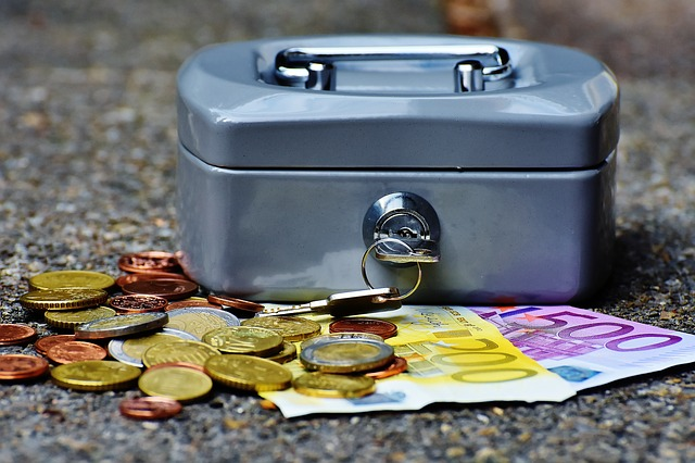 Crisi: aziende e famiglie lasciano in banca 54 miliardi in più in un anno