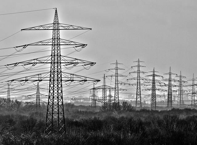 Indice Costo Energia 1° trimestre: per le imprese cala la spesa per elettricità ma gas in continuo aumento (+8%)
