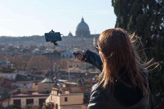 L'italia in 10 selfie 2017 di Fondazione Symbola.10 scatti di un paese che può ripartire