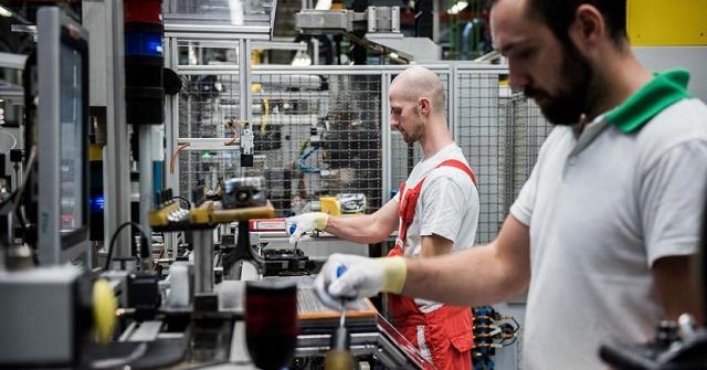 Crescita record in sei anni del PMI manifatturiero italiano a causa della forte espansione della produzione