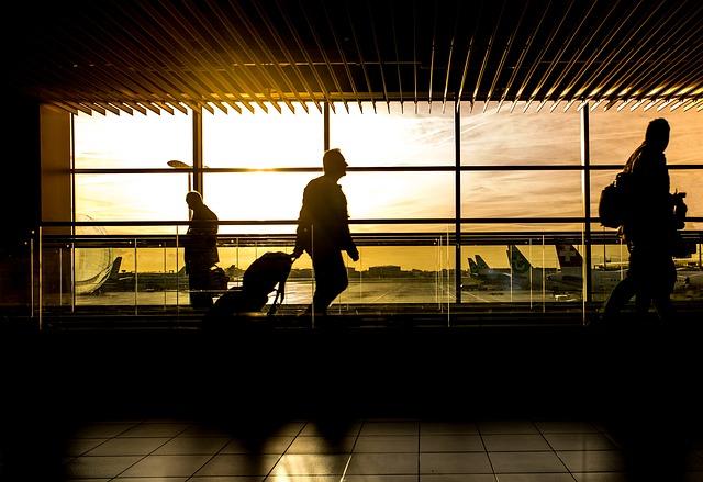 Aeroporti: entro il 2035 previsto il raddoppio dei passeggeri, le società aeroportuali si preparano ad accoglierli