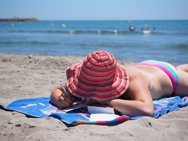 Turismo, il caldo spinge verso il mare. Per il ponte del 2 giugno attese 9 milioni di presenze (+2,9%)