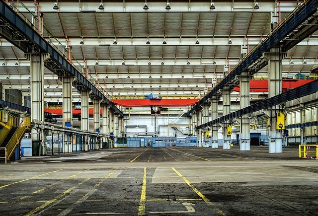 Nel 2016 il mercato torna positivo per negozi, uffici e capannoni