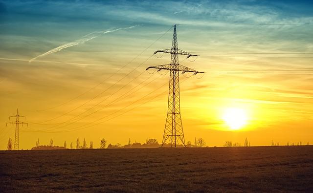 Elettricità imprese in bassa tensione: mercato libero cresce al ritmo del 5,3% all'anno. In un anno 1,2 mln cambi di fornitore