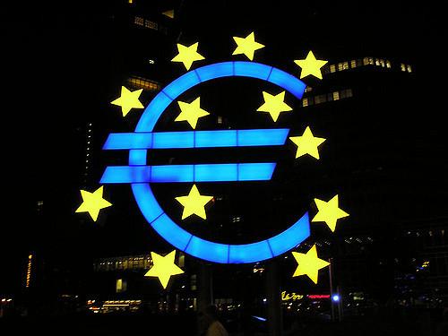 A maggio, l'economia dell'eurozona continua a crescere con Francia e Germania in espansione ai tassi più rapidi in sei anni