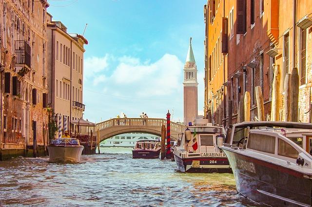 Contraffazione: Venezia vetrina del made in Italy e modello di lotta al mercato del falso