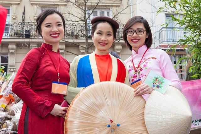 Residenti stranieri: Confesercenti, oltre uno su dieci è imprenditore