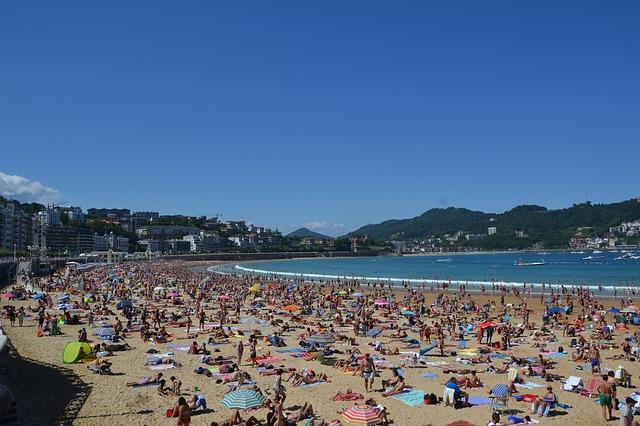 """CNA: """"Luglio porta sotto l'ombrellone un milione di turisti al giorno per un giro d'affari di un miliardo e mezzo"""""""