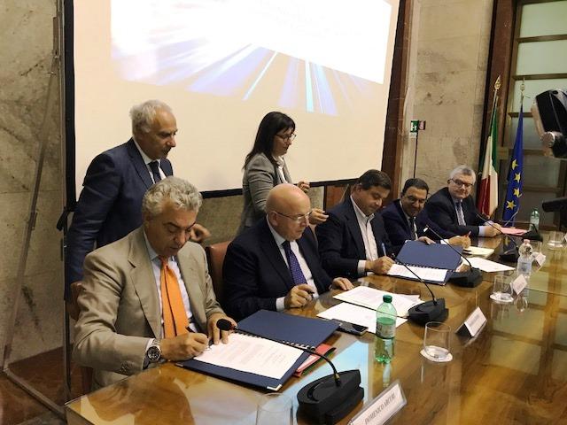 Accordi Programma Campania-Calabria, investimenti per oltre 800 mln
