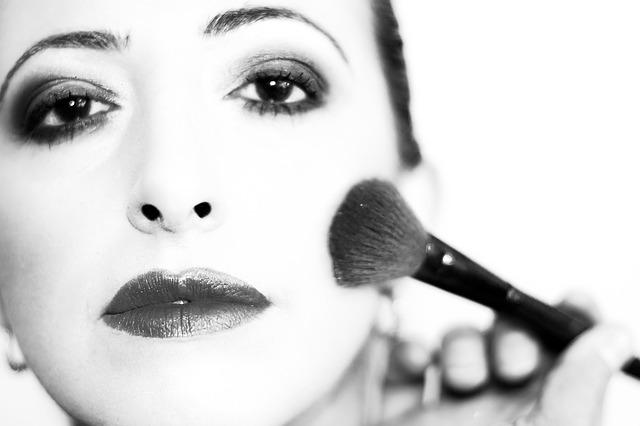 Netnografia, branding e make-up: farsi belle al tempo dei selfie