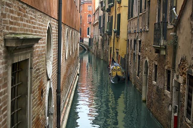 Attrattive o vulnerabili? Come cambia la geografia del turismo in Italia ed Europa nell'Atlante di Prometeia