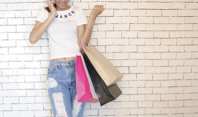 """È arrivata la """"Black Week"""": 4 consigli per sopravvivere allo stress da shopping"""