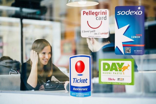 Welfare, da Ipsos la classifica dei benefit più desiderati dagli italiani: sul podio sostegno alla famiglia, benessere personale e shopping card