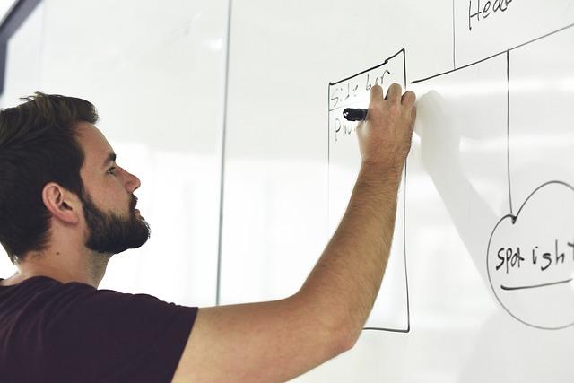 Presentato il Booklet Startup: 7 miliardi di fatturato e 72mila persone occupate, i numeri delle startup knowledge intensive in Lombardia