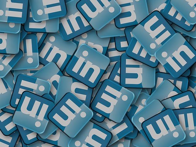 """""""Ufficio di collocamento"""" LinkedIn, dagli esperti i 10 consigli per trovare un impiego grazie al social network nel 2018"""