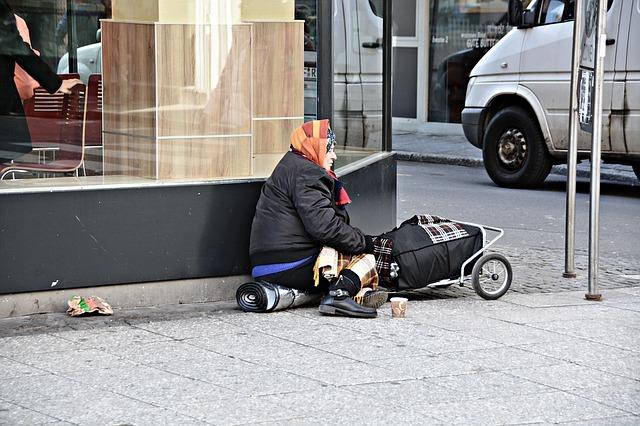 Crisi: Unimpresa, a rischio povertà 9,3 milioni di italiani
