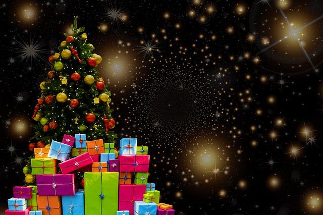 Confcommercio su regali di Natale: in testa alimentari, giocattoli e abbigliamento