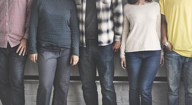 Indagine giovani e lavoro, un 30enne su 3 vive con la paghetta