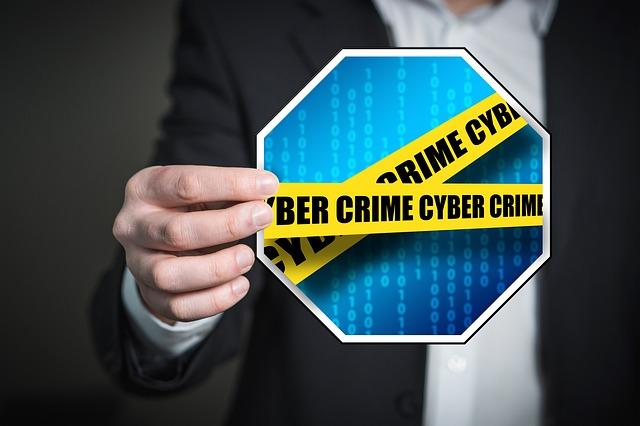 Gli effetti della cyber-criminalità sul commercio in Italia: quasi 2 miliardi di danni l'anno, 250mila attività colpite