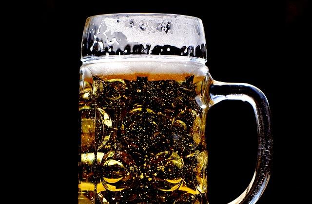 Bionda, rossa, scura, con tanta schiuma: tutti pazzi per la birra