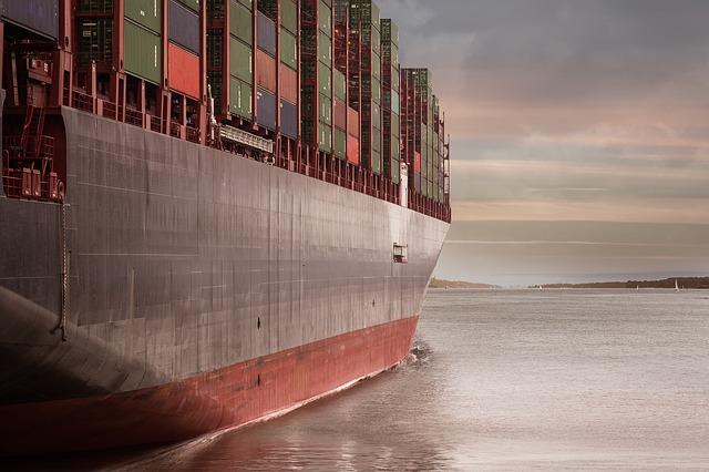 Commercio estero extra Ue in flessione a gennaio