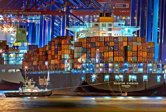 A dicembre crescita sia dell'import sia, in misura più contenuta, dell'export