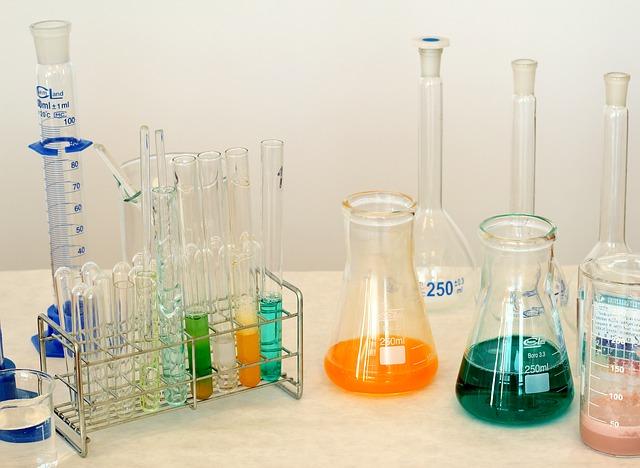 Sostanze chimiche pericolose, al via l'indagine pilota Inail-Echa