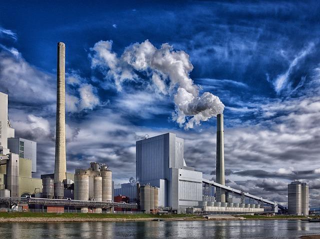Cerved: trasporti, chimica e metallurgia trainano la crescita