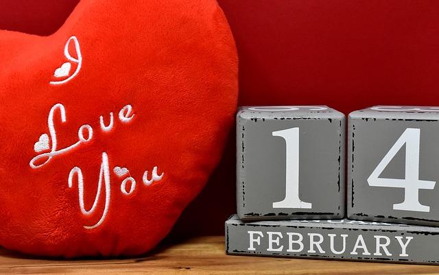 San Valentino: Confesercenti, la tradizione resiste, celebrerà il 24%