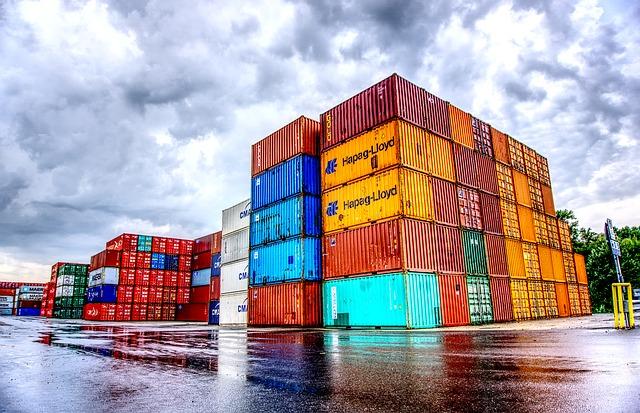 Commercio estero: diminuzione per import ed export