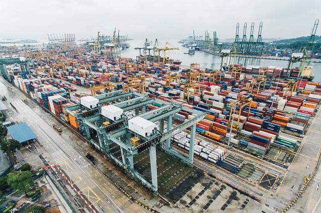 Commercio estero extra Ue in positivo a marzo