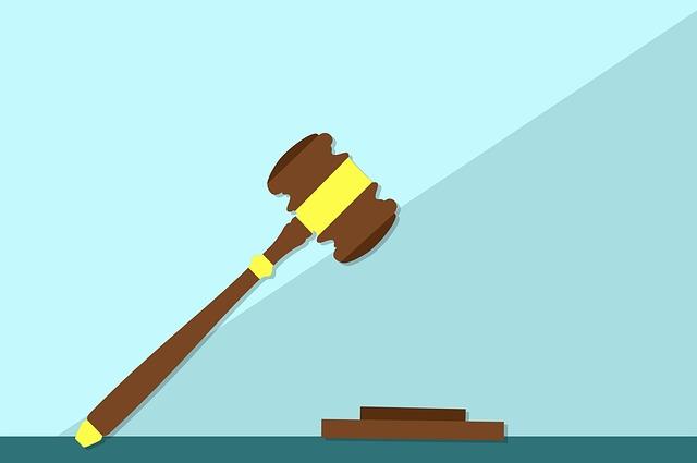 Patteggiamento sul reato di dichiarazione fraudolenta per utilizzo di false fatture accessibile col ravvedimento