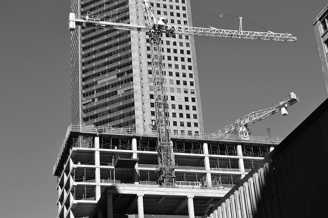Mercato immobiliare non residenziale in crescita anche nel 2017. Lieve flessione per i contratti di leasing, ma l'inizio del 2018 è positivo
