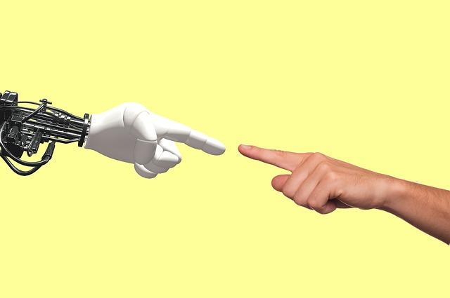 """Management e intelligenza artificiale: lavoreremo agli ordini dei """"roboleader"""" o saranno i leader a doversi evolvere?"""