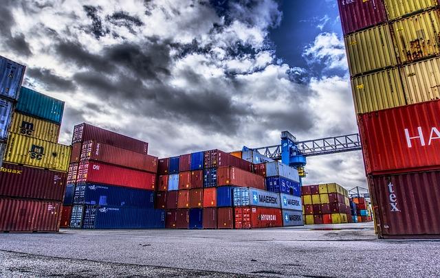 Ad aprile lieve aumento congiunturale sia per le esportazioni sia per le importazioni