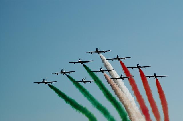 """L'italia senza """"Made in Italy"""": solo un terzo delle medie e grandi aziende italiane utilizza il marchio """"Made in Italy"""" all'estero"""