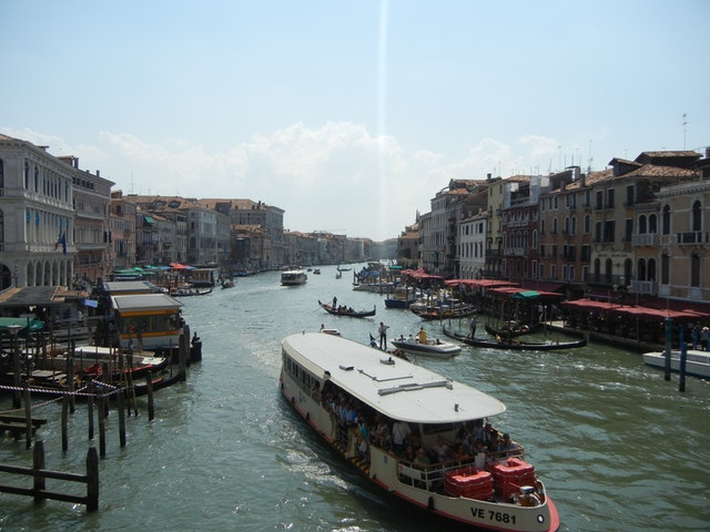 Turismo: ad agosto 10,2 miliardi di movimento economico